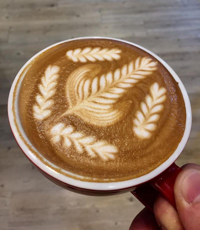 Wheat spike latte art