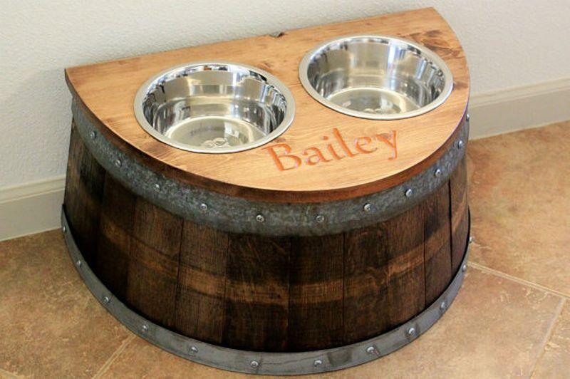 dog feedar made from barrel