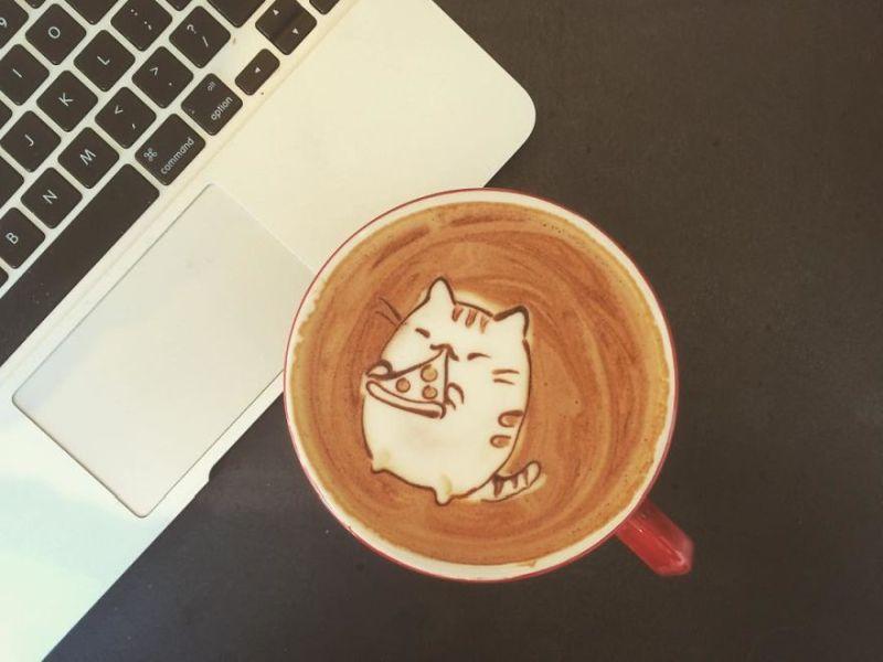 pizza eating cat latte art