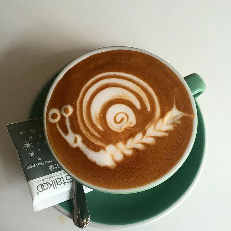 snail latte art