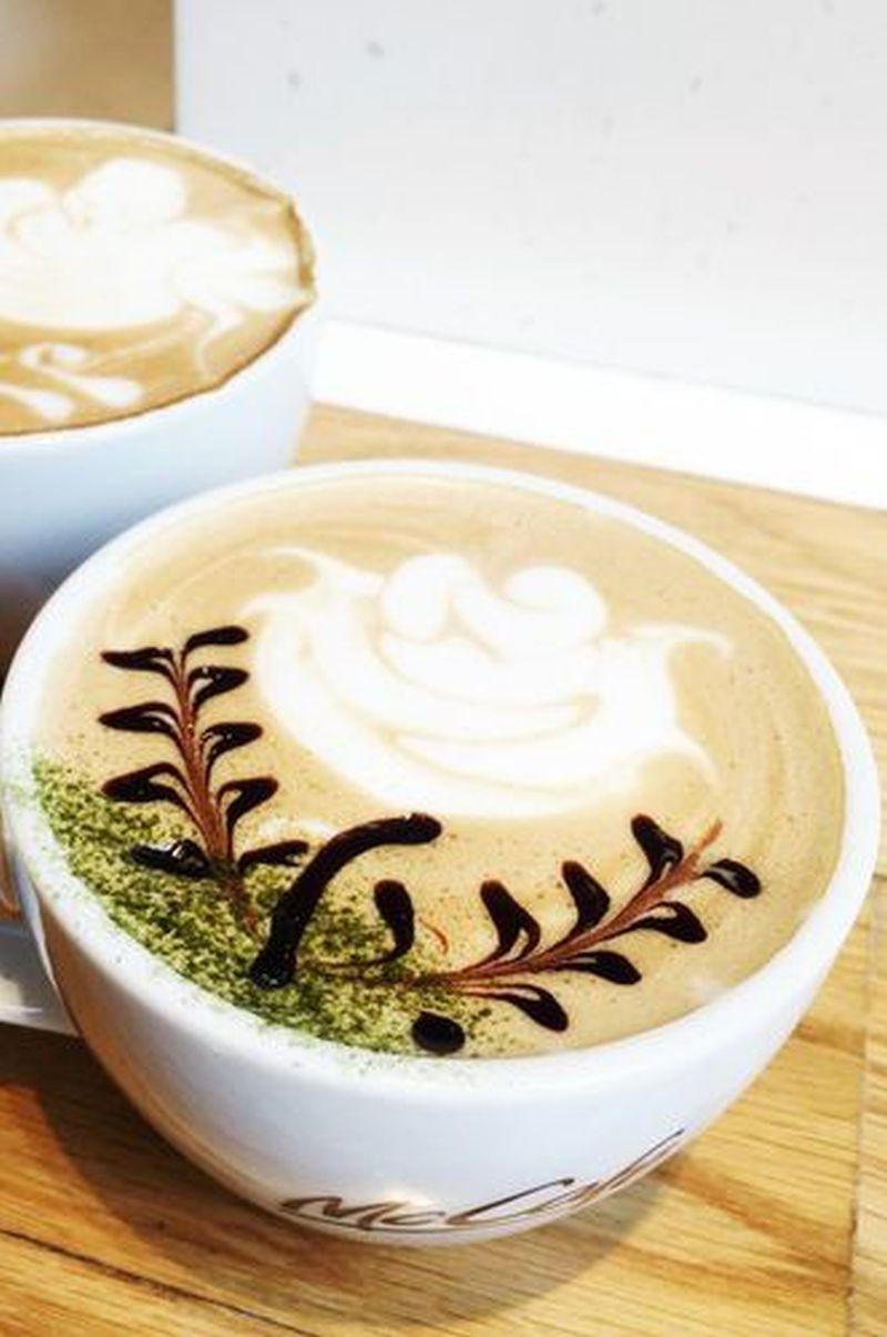 White rose latte art