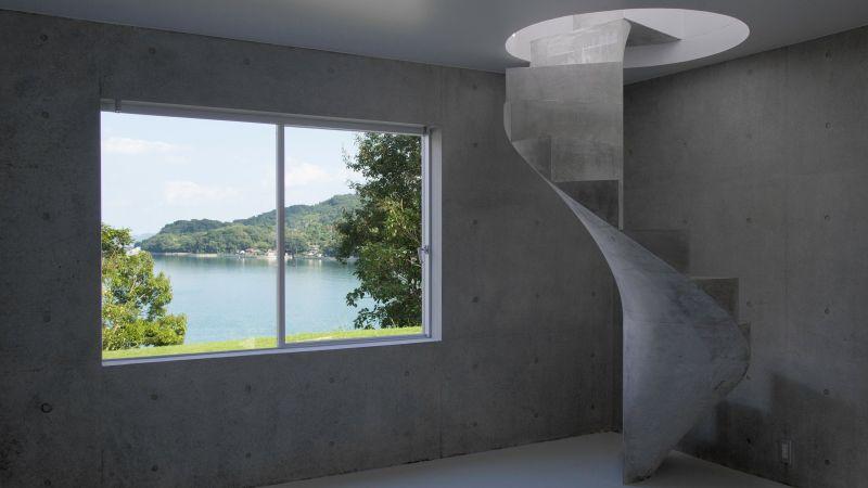 Concrete staircase by Kazunori Fujimoto Architect & Associates