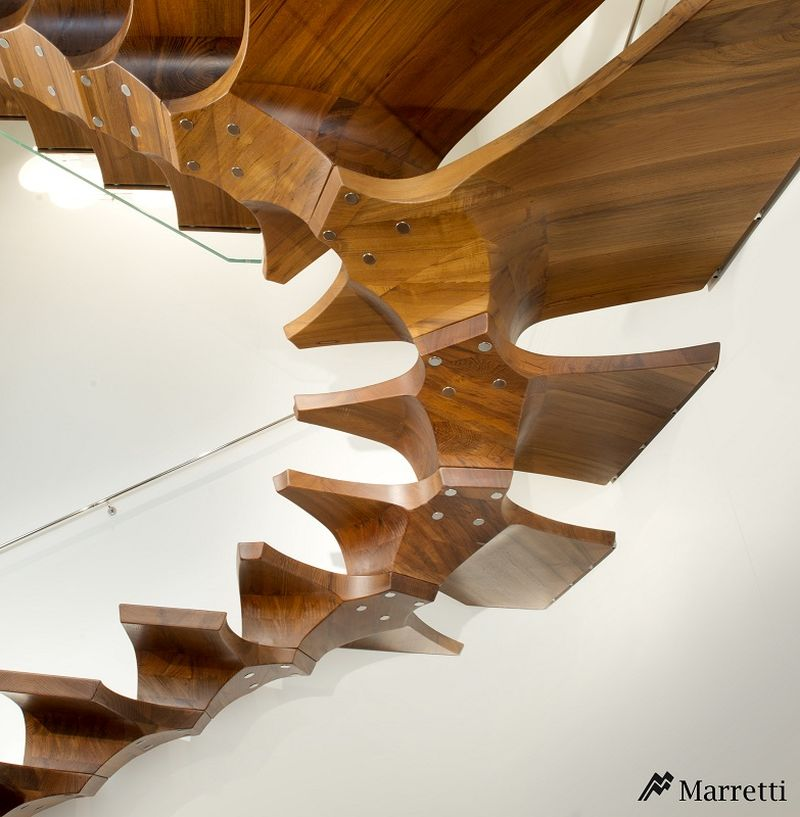Self-bearing concorde staircase by Marretti