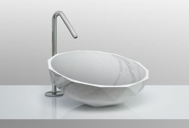 Diamond-shaped washbasin