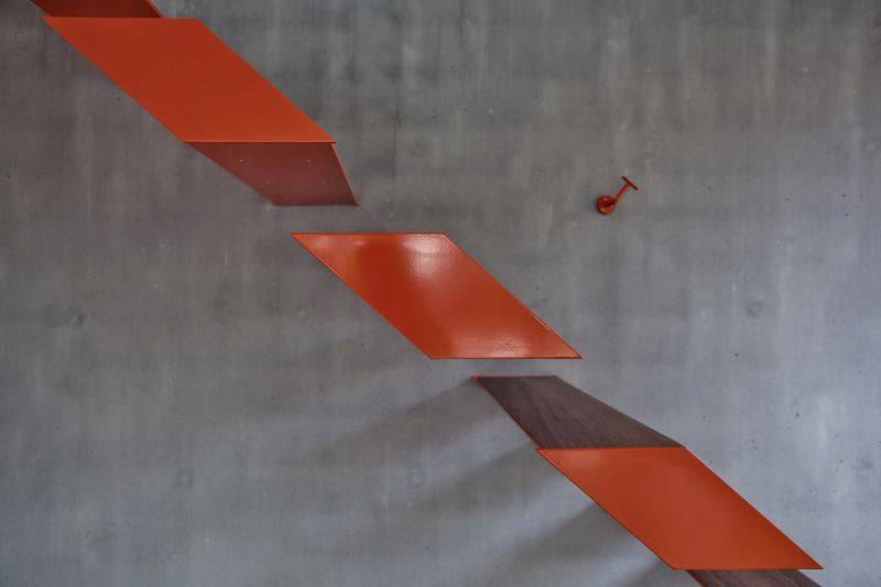 Modern steel staircase by OYO