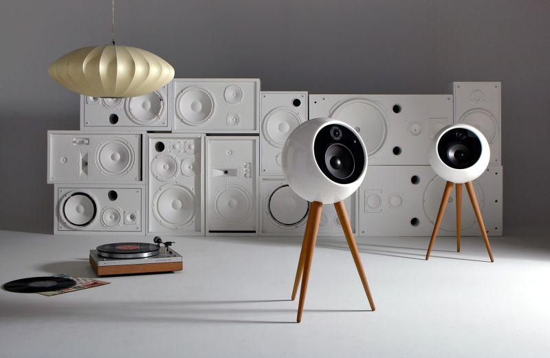 Moonraker speaker by Bossa sounds