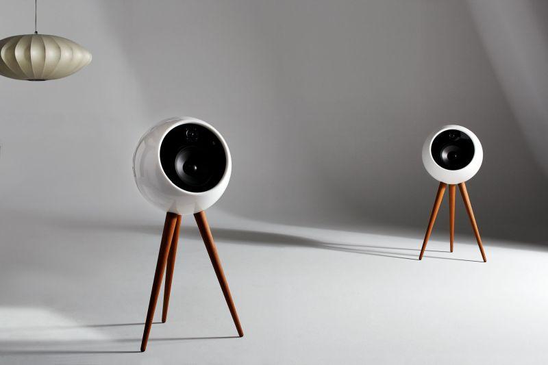 Moonraker speaker by bossa