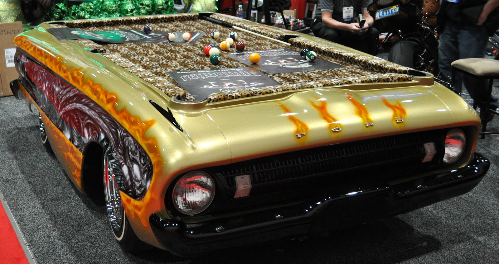 20 Automotive-Themed Furniture & Accessories (Pictures)