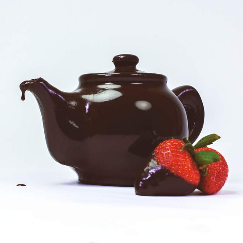 Edible chocolate teapot