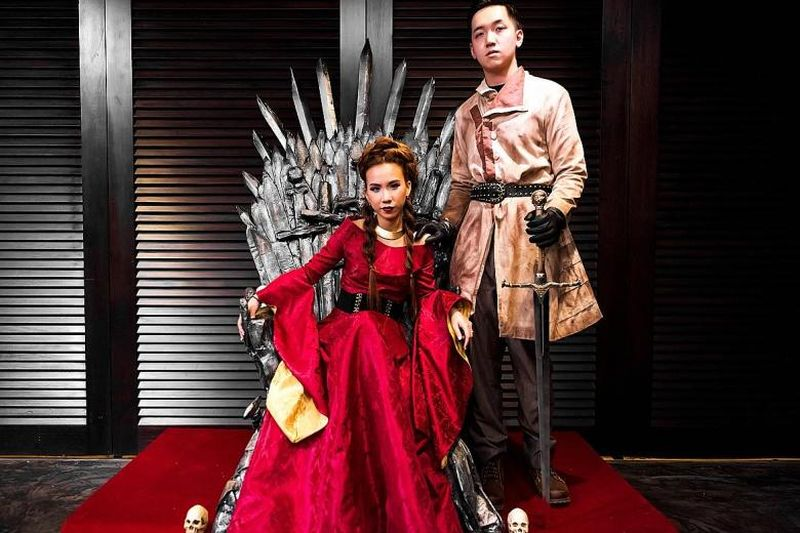 Couple Throws Game Of Thrones Themed Wedding Party For
