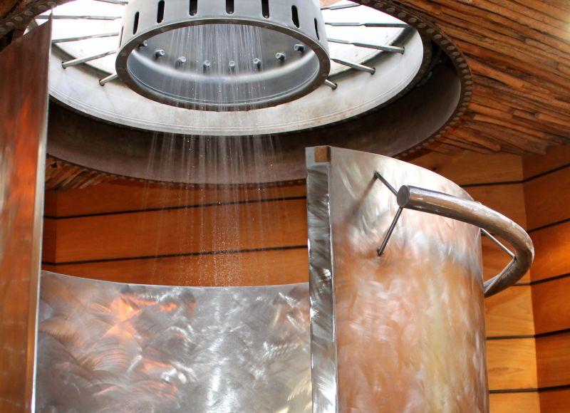 Jet engine shower head