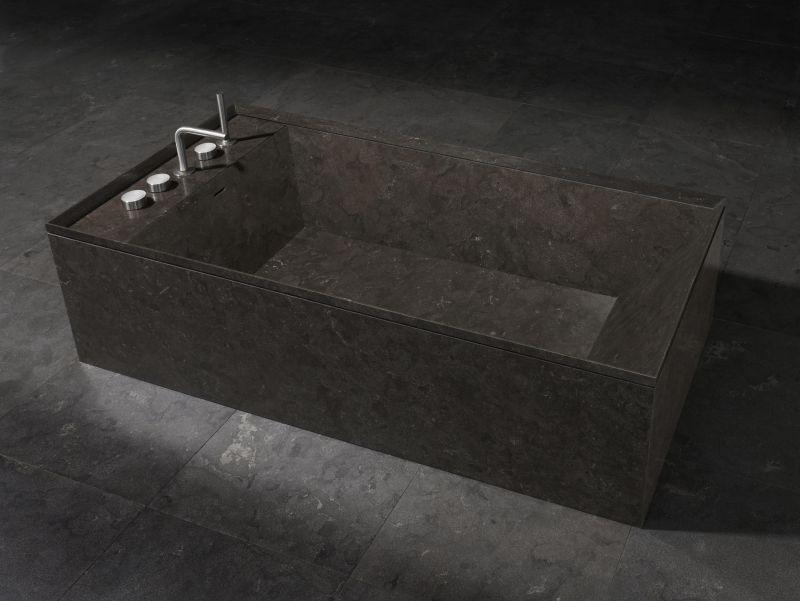 Onsen bathtub by Rodolfo Dordoni for Italian company Salvatori