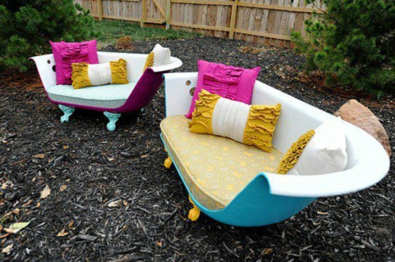10+ Creative Ways to Recycle Old Bathtub