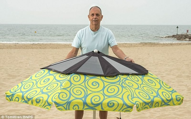 Solarbrella turns beach umbrella into charging dock for your phone
