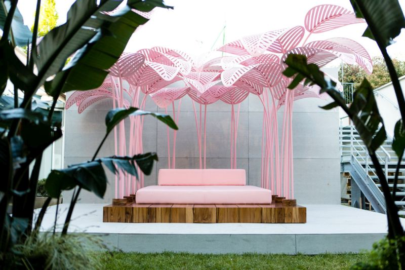 Le Refuge daybed by Marc Ange