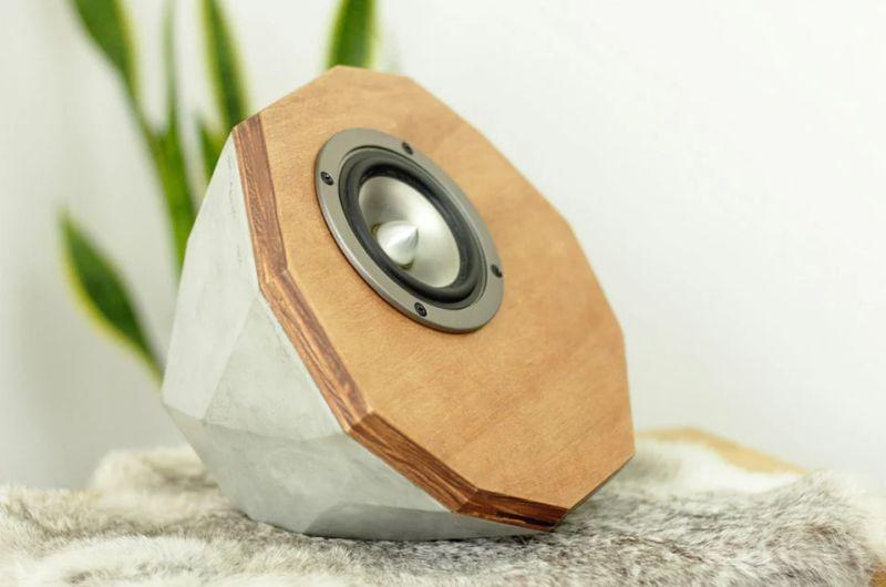 Geometric concrete speaker