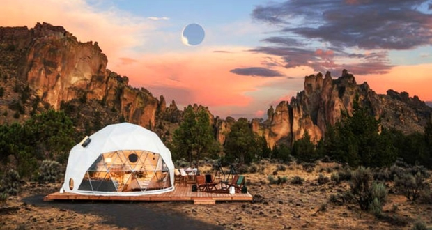 American solar eclipse riding on a jet and sleepover in a dome with Airbnb