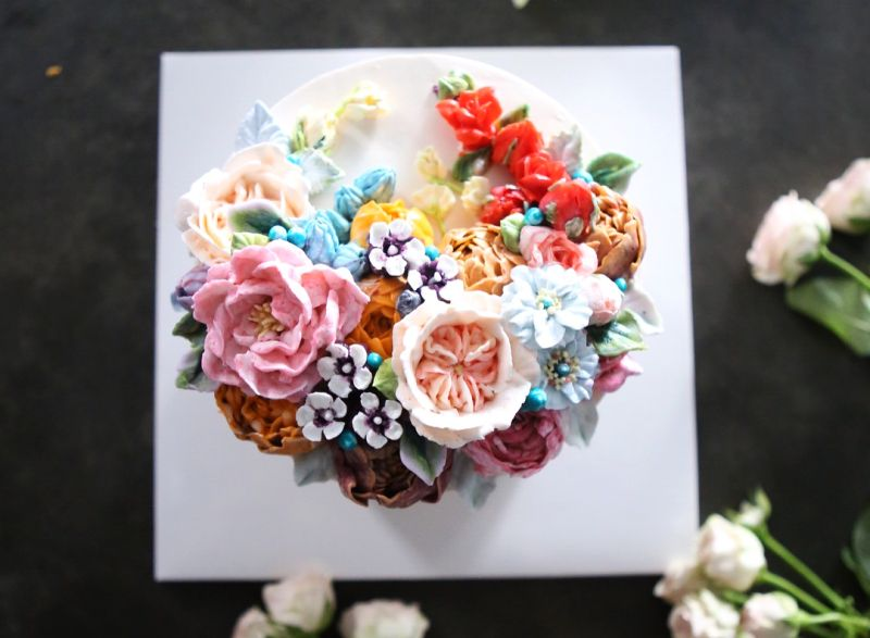 amazing floral cake by Atelier Soo