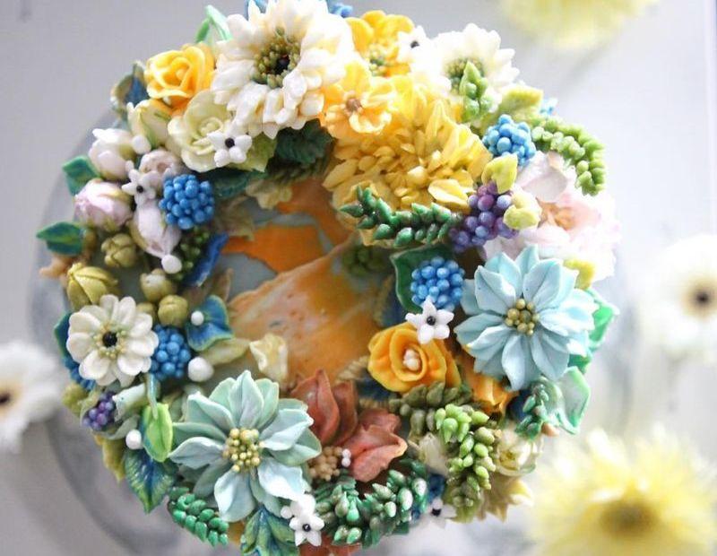 Awe-inspiring Buttercream floral cake