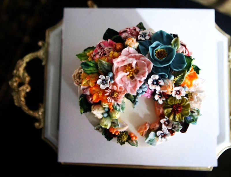 floral cake by Atelier Soo