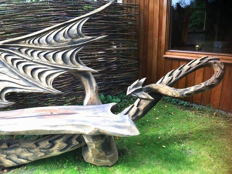 Igor Loskutov dragon bench