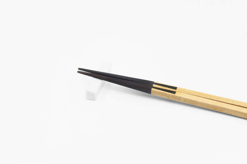 Joint chopsticks feature Japanese traditional wood joinery technique