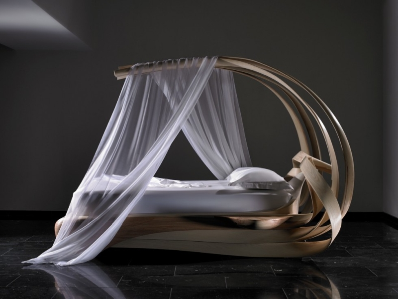 Joseph Walsh created the 'Enignum VI Canopy Bed_2