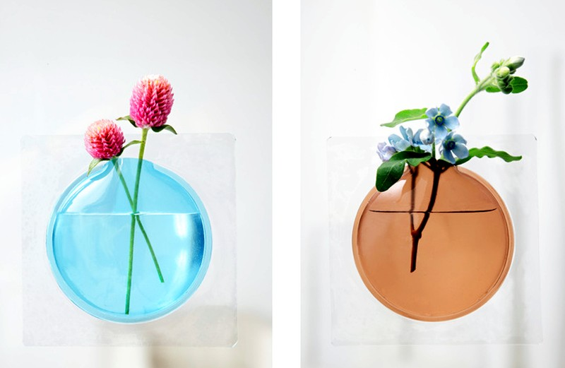 Kaki flower vase by TODO