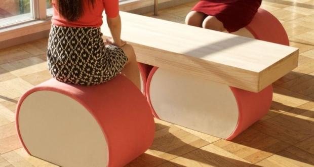 Chair & table to looks like Japan's favorite sea food – Kamaboko