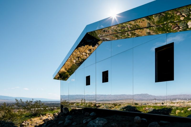 Doug-Aitken-Mirage-house