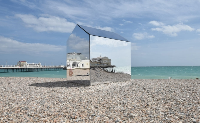 Mirrored-Beach-Hut-ECE-Architecture_1