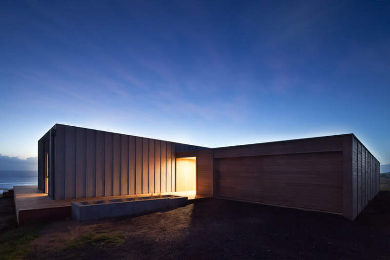 Prefab modular home by Modscape is designed to live the coastal dream