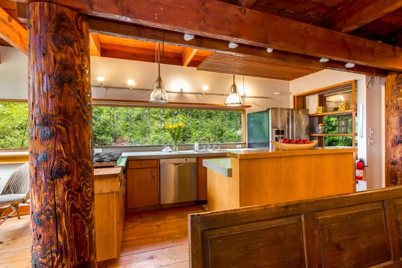 Treehouse Tower kitchen