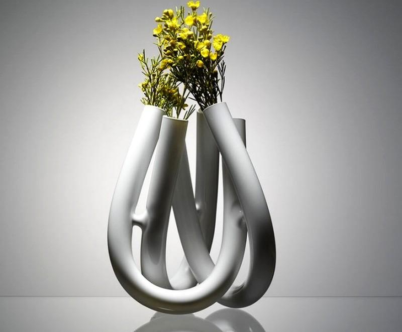 U-shaped glass flower vase design BY Jan Padrnos