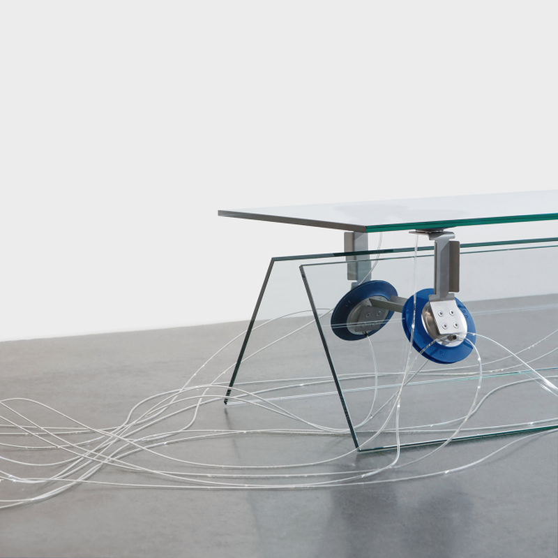 Vacuum bench by Kebei Li uses pneumatic fixtures to hold together the glass panels