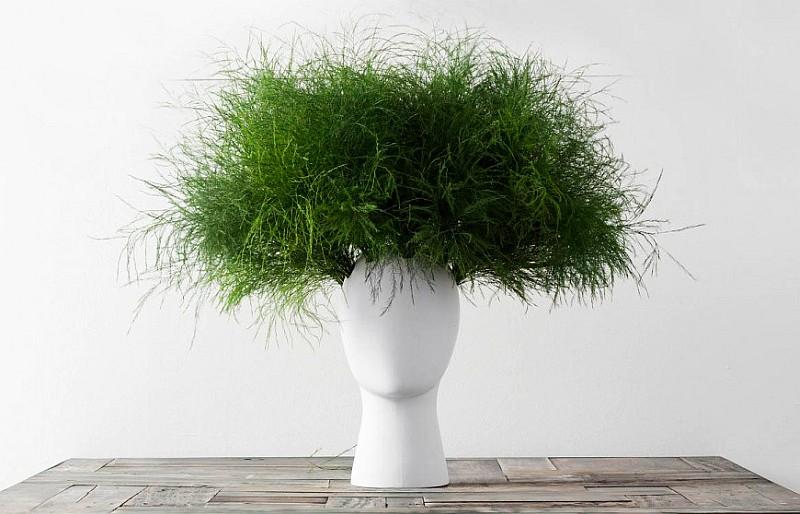 WIG ceramic flower vase design by Tania Da Cruz