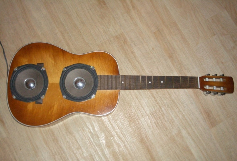 16 Creative Ways To Recycle Old Guitar Into Home D 233 Cor Items