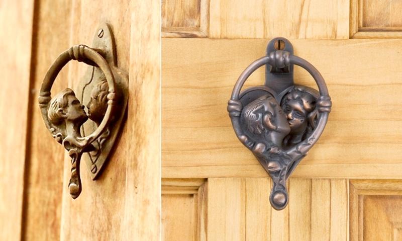 kissing door knockers