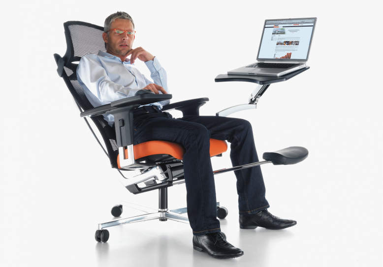 mPosition workstation has adjustable points to fine-tune seating position