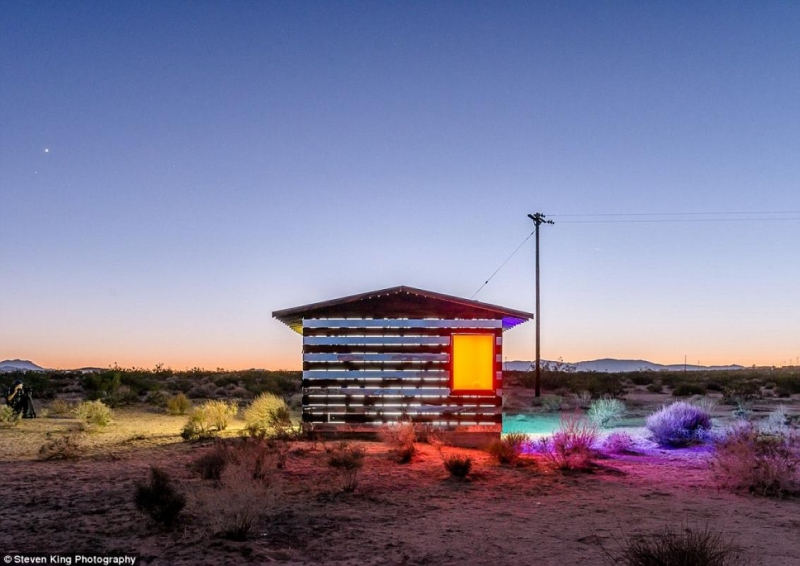 mirror cabin is designed by artist Philip K. Smith III