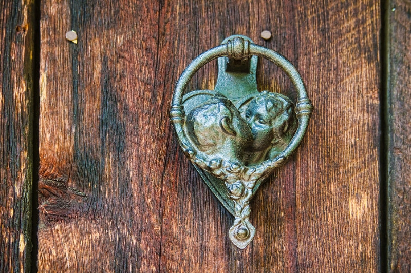 #24 Sculpted By Derek Bernstein, This Unusual Cat Door Knocker Is Made Of  Bronze. The Structure Is Unique And Can Be Mounted On The Front Door Using  A Brass ...