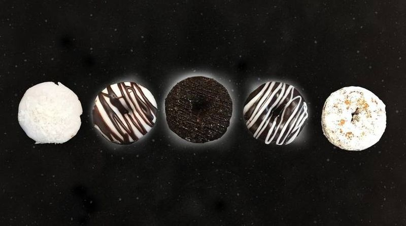 solar eclipse-themed food -5