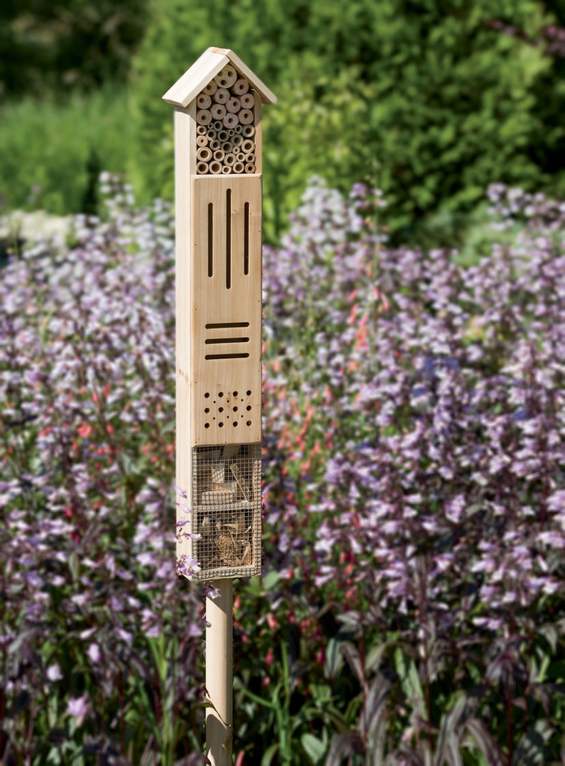 wooden hotel stake _1for bees