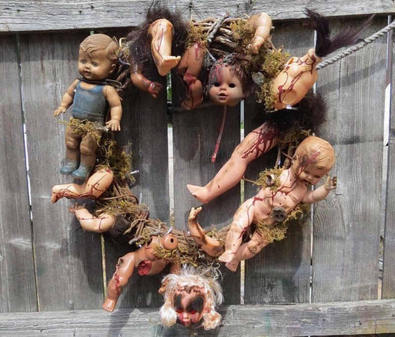 Creepy doll wreath for Halloween
