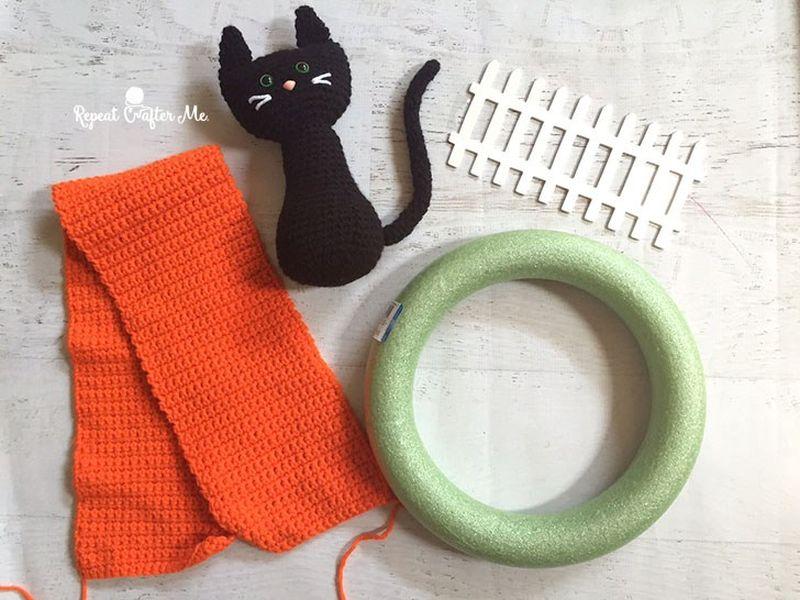 Crochet Halloween black cat wreath cute