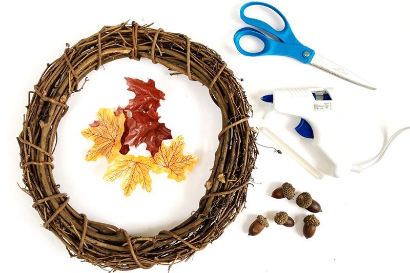 Halloween Fall foliage DIY leaf wreath