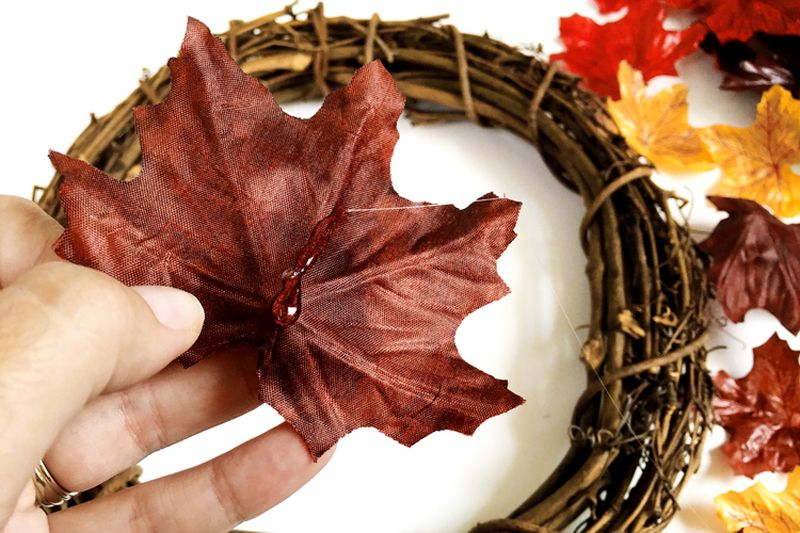 Fall foliage leaf wreath