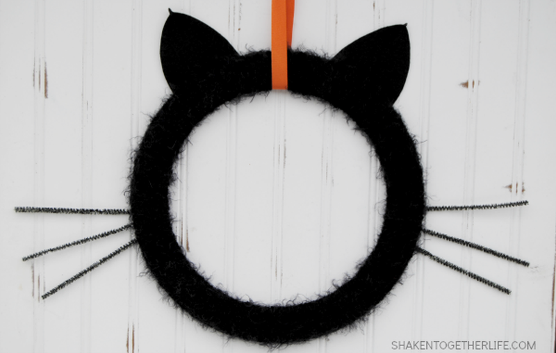 Halloween Black cat wreath
