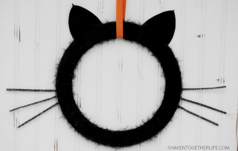 Halloween Black cat wreath