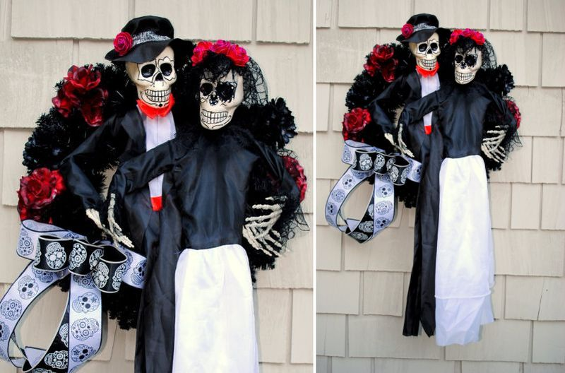 Halloween Skeleton bride and groom wreath